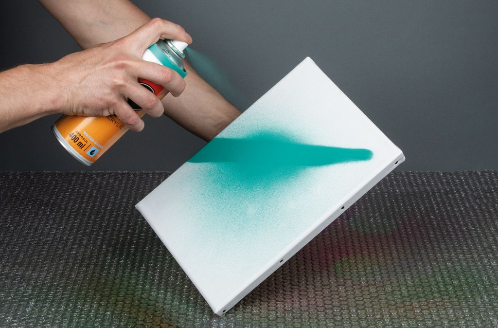 ONE4ALL sprej lze použít na plátno