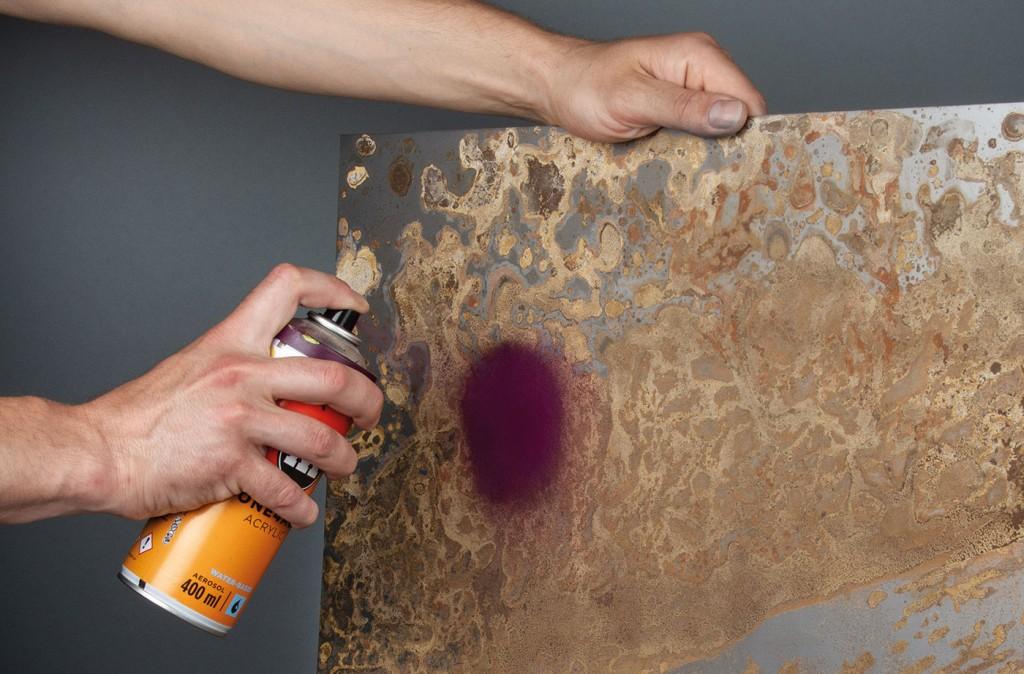 ONE4ALL sprej lze použít na kov