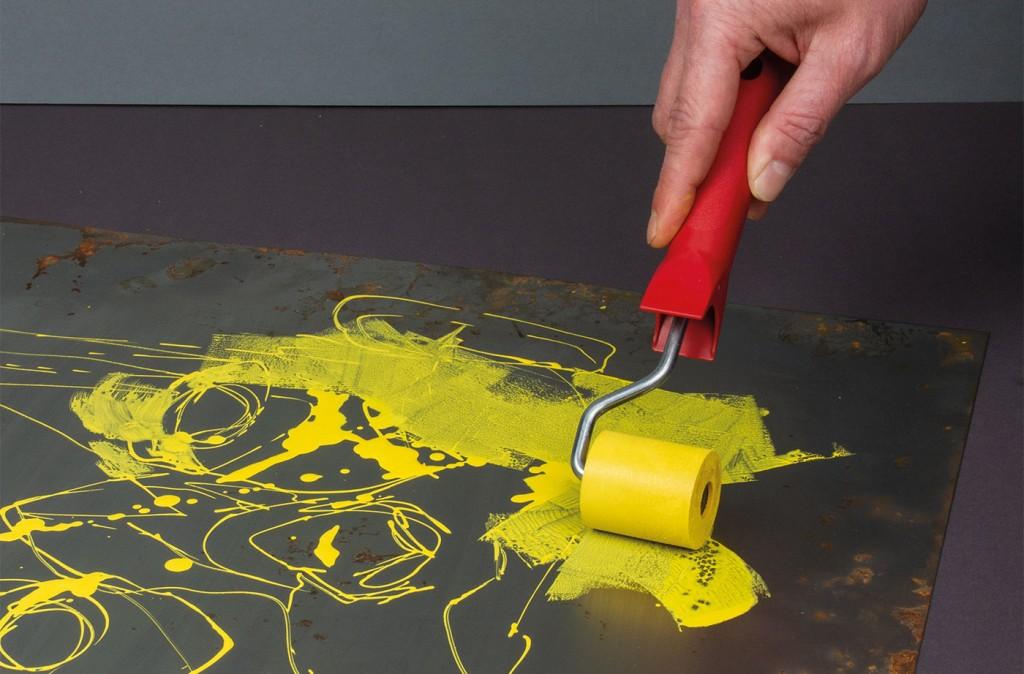 Akrylickou barvu ONE4ALL lze zpracovávat válečkem