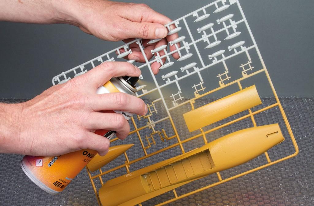 ONE4ALL sprej lze použít na modelářské plasty