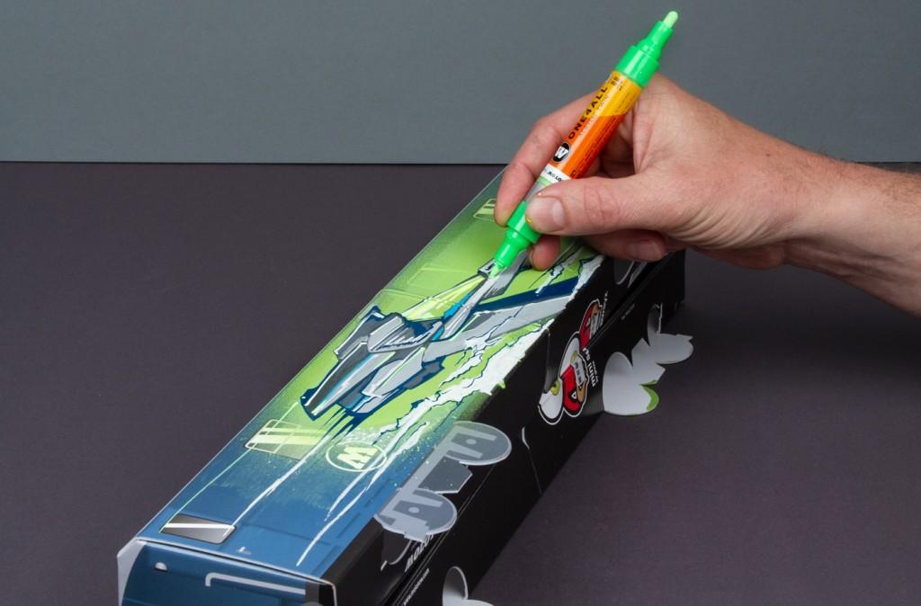 Použití Twin oboustranné ONE4ALL akrylické fixy na papírovém skládacím MINISUBWAY modelu