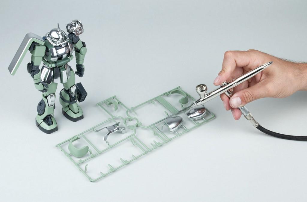 Použití barvy Liquid Chrome přes airbrush na modelářské plasty
