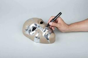 Použití fixy Liquid Chrome na papírové mašé