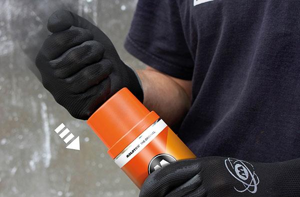 DOUBLE FUNCTION CAP -Vršek s dvojtou funkcí - stříkaný vršek odpovídá barvě ve spreji a při úderu z vrchu odstraníte víčko a zůstane druhá část přímo na spreji, a tak stále vidíte jaký máte odstín