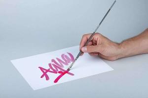 AQUA INK lze aplikovat štětcem