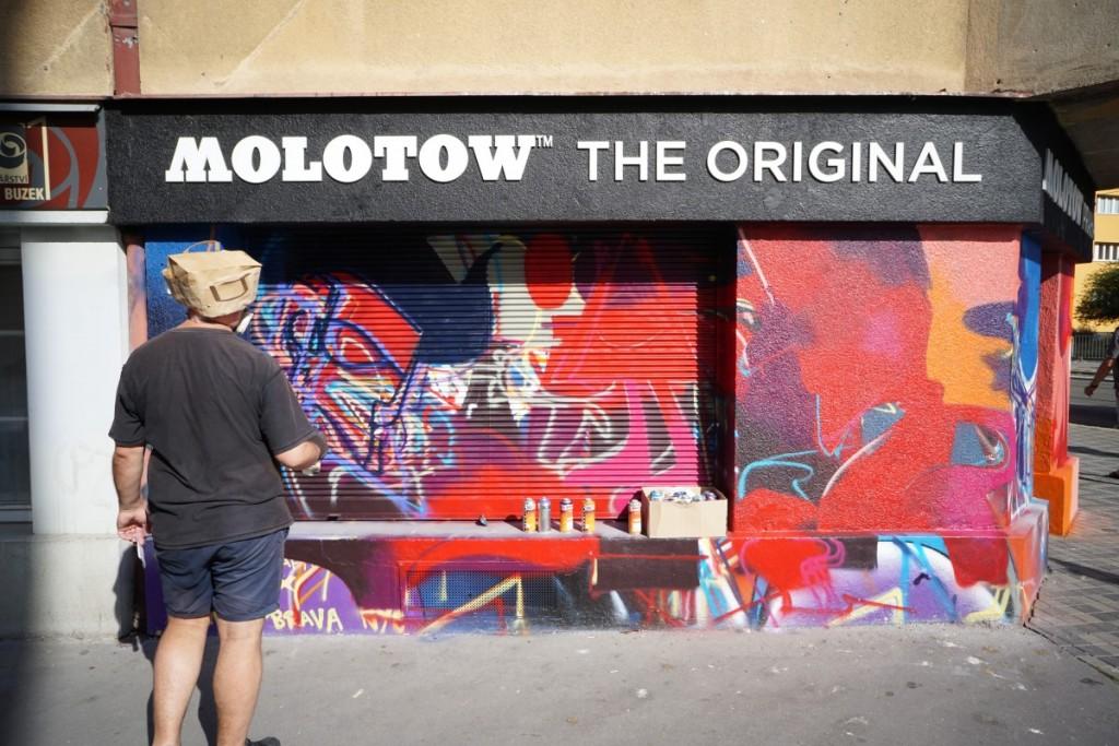 Molotow Praha x POIS 811 progress