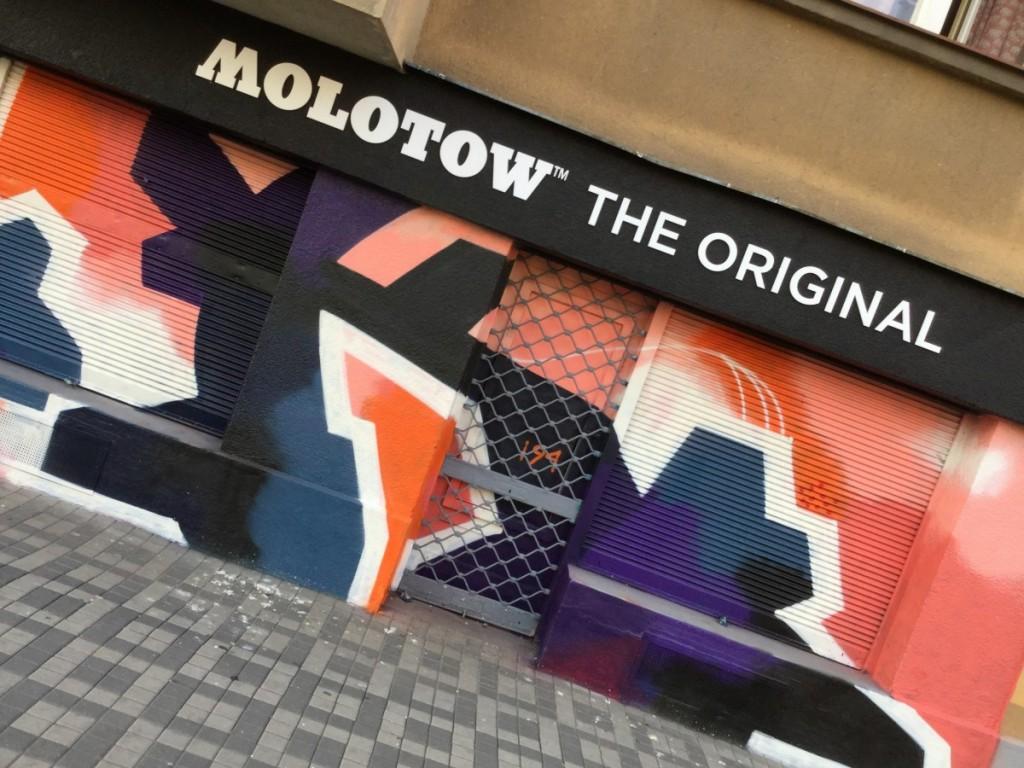 Molotow Praha x POIS 811 - letter K